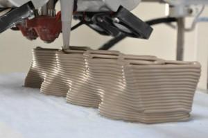 Processo de produção dos tijlos une design à tecnologia das impressoras 3D.